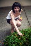 Gullig asiatisk flicka fotografering för bildbyråer