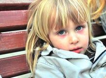 gullig blond pojke Arkivfoto