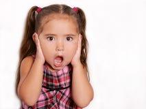 gullig flicka förvånad little Royaltyfri Fotografi