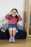 gullig flicka fem lilla gammala år Arkivfoton