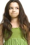 Gullig flicka i grön klänning Royaltyfria Bilder