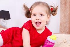 gullig flicka little Royaltyfria Bilder