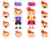 Gullig flicka och pojke med framsidor som visar olika sinnesrörelser Arkivfoto