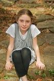 gullig flicka utomhus Royaltyfri Bild