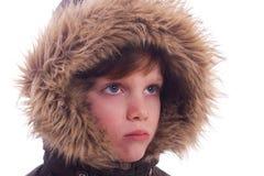 gullig furry huv för pojke royaltyfri bild