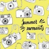 Gullig hand drog gamla och nya kameror Mest bra sommarminnen Royaltyfria Foton