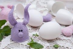 Gullig kanin för påskägg Arkivfoto