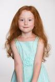 Gullig liten flicka av sex år Arkivbild