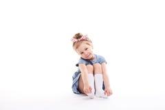 Gullig liten flicka 4-6 gamla år royaltyfri foto