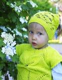 Gullig liten flicka i lekplatsen Fotografering för Bildbyråer