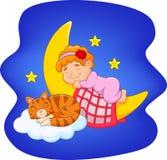 Gullig liten flicka med katten som sover på månen Royaltyfri Foto