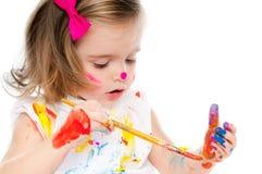Gullig liten flickamålning Arkivfoto