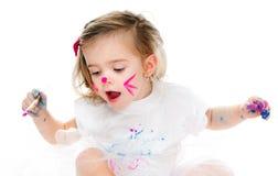 Gullig liten flickamålning Fotografering för Bildbyråer
