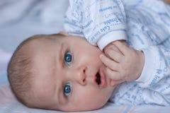 gullig liten man Arkivfoto