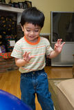 gullig litet barn Arkivbild