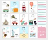 Gullig månatlig kalender 2019 med stranden, hav, skåpbil, staty av frihet royaltyfri illustrationer