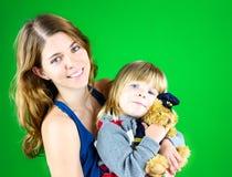 Gullig mamma och barn Arkivfoto