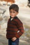 Gullig pakistansk pojke i nordliga Pakistan Arkivfoton