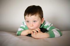 gullig pojke little Royaltyfri Foto