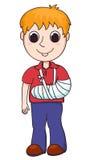 Gullig pojke med den brutna armen Royaltyfri Foto