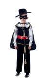Gullig pys som poserar i den Zorro dräkten Royaltyfri Foto