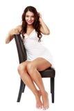 Gullig sexig kvinna i damunderkläder som isoleras på vit Royaltyfri Fotografi