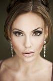 gullig stående för brunett Royaltyfria Foton