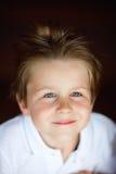 gullig stående för pojke Royaltyfria Bilder