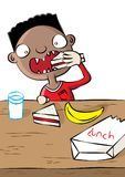 Gullig svart pojke som har lunch i skola Fotografering för Bildbyråer