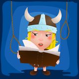 Gullig tecknad filmflicka viking Medeltida krigare med boken tecken Arkivbild