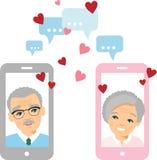 Gullig tecknad filmillustration av telefonen och internet för gammalt europeiskt folk den förälskade användande royaltyfria bilder