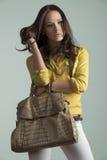 Gullig tillfällig modekvinnlig Royaltyfri Bild