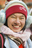 Gullig winterly klädd flicka, Peking, Kina royaltyfria foton
