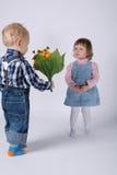 Gulliga barn på datumet Royaltyfria Foton