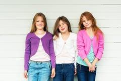 gulliga flickor little stående Royaltyfria Bilder