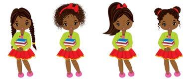 Gulliga små afrikansk amerikanflickor för vektor med böcker stock illustrationer