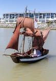 Gulliga små piratkopierar skeppet Arkivfoton