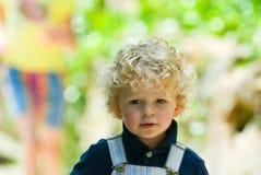 gulligt barn för pojke Arkivfoton