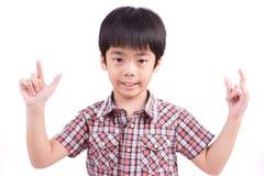 Gulligt barn som gör teckenspråk Arkivbilder