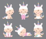 Gulligt behandla som ett barn flickan Unicorn Costume Vector Illustration vektor illustrationer