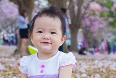 Gulligt behandla som ett barn lyckligt Royaltyfri Fotografi