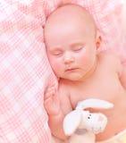 Gulligt behandla som ett barn sovande Royaltyfri Foto