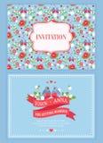 Gulligt bröllopinbjudankort med den blom- modellen Arkivbild