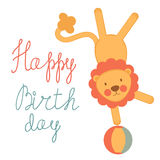 Gulligt födelsedagkort med cirkuslionen Royaltyfri Fotografi