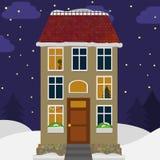 Gulligt hus i snön Jullandskapbakgrund med stugan Royaltyfria Bilder