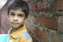gulligt indiskt för pojke little fotografering för bildbyråer