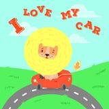 Gulligt kort med lejonet i bilen Royaltyfri Fotografi
