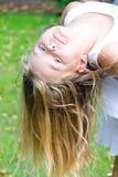 gulligt le för flicka Royaltyfria Bilder