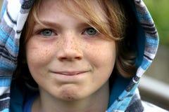 Gulligt lyckligt pojkebarn Royaltyfri Fotografi