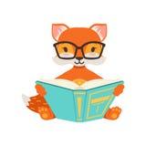 Gulligt orange rävteckensammanträde och läsning en bok, illustration för vektor för rolig tecknad filmskog djur posera vektor illustrationer